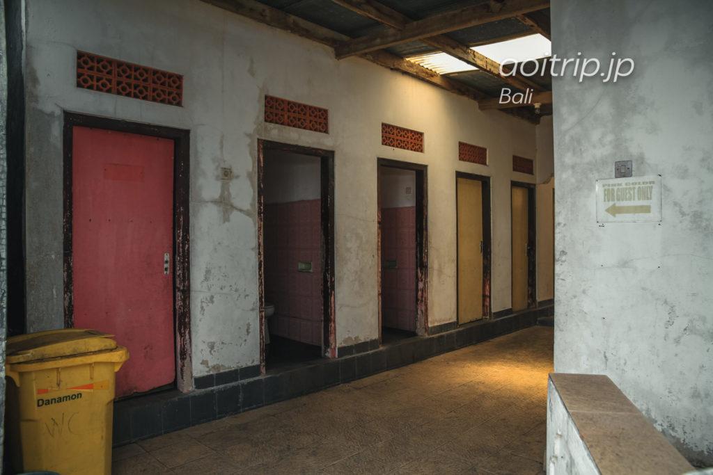 ウルンダヌバトゥール寺院のトイレ