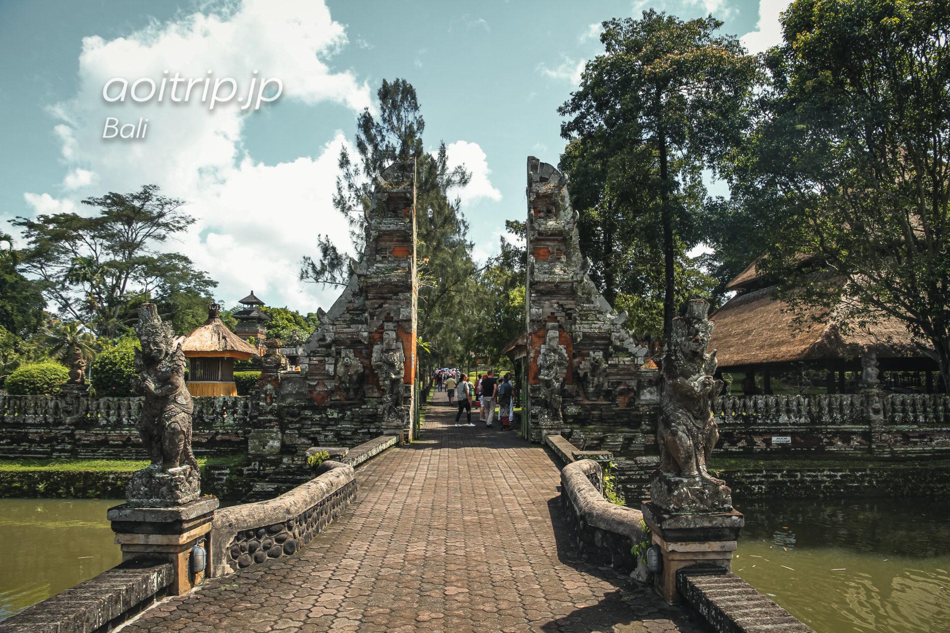 タマンアユン寺院の割れ門
