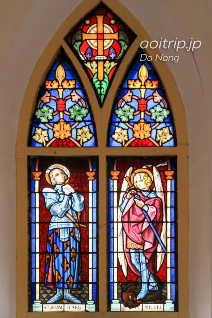 ダナン大聖堂のステンドグラス