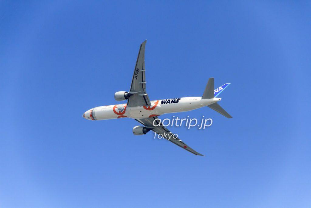 ANAボーイング777-300 スターウォーズ特別塗装機