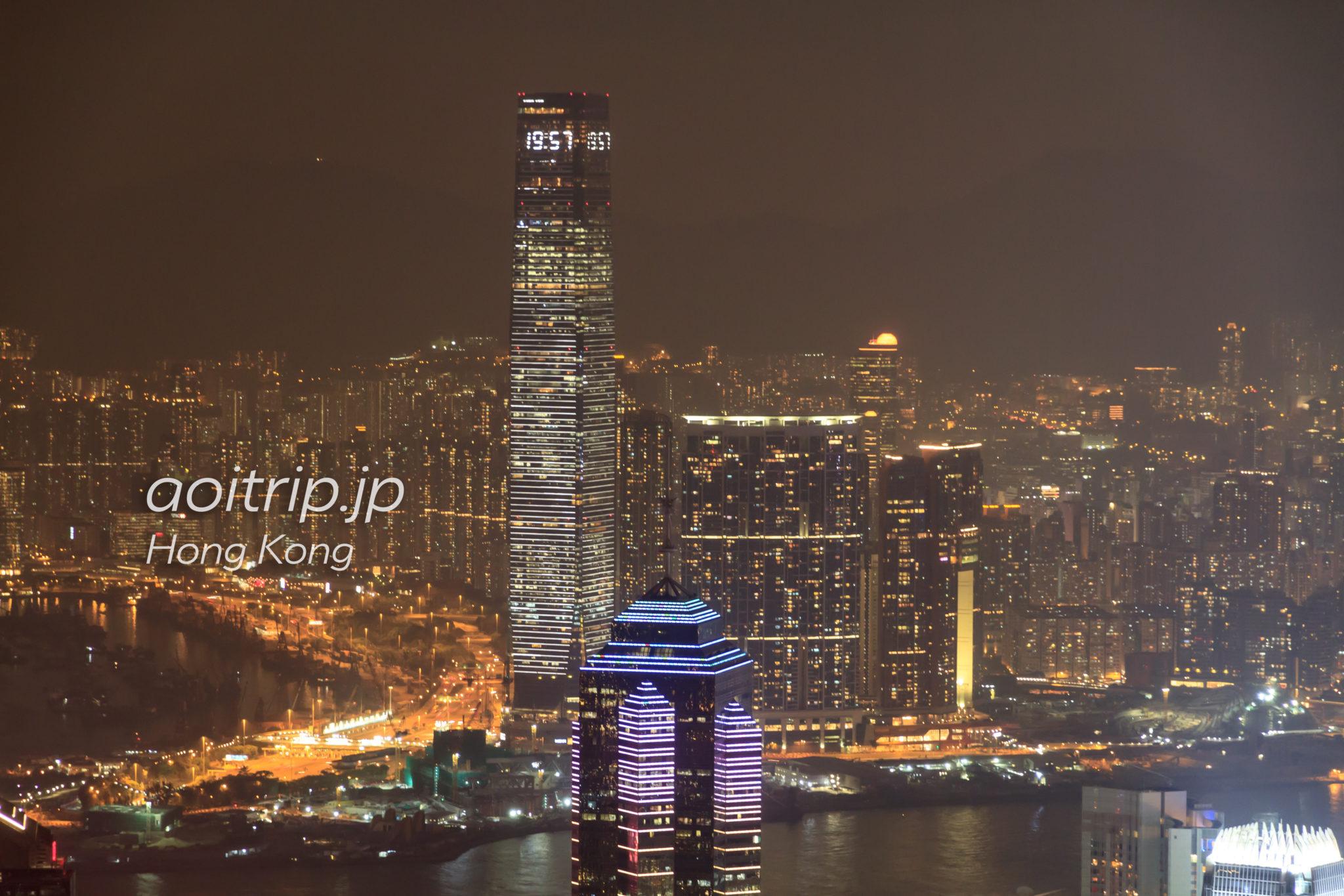 香港ヴィクトリアピークからスカイ100を望む