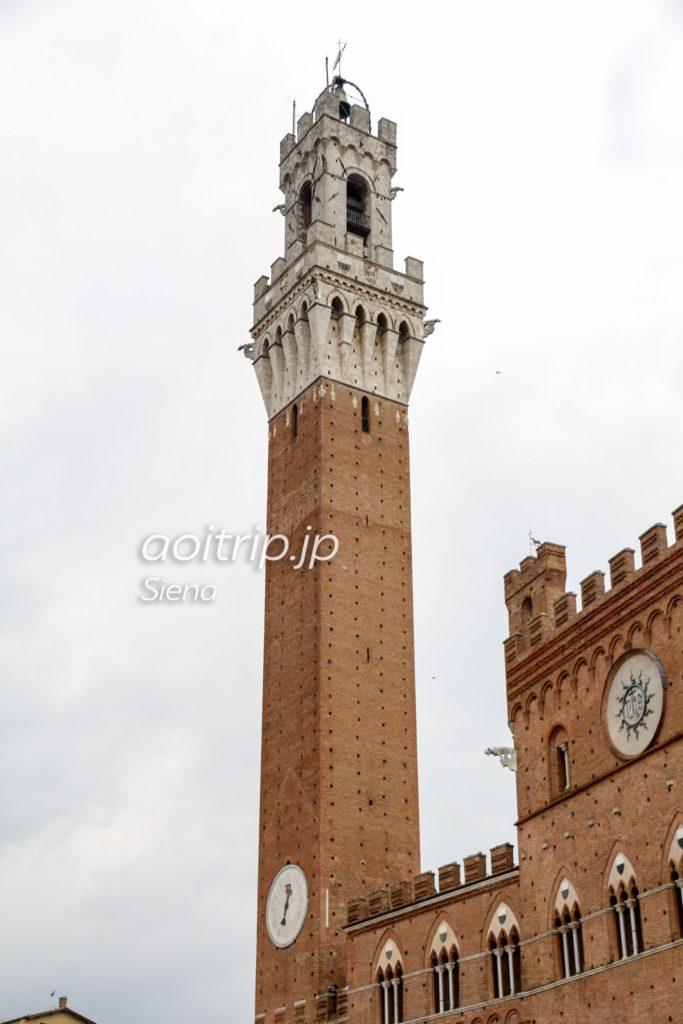 シエナ マンジャの塔