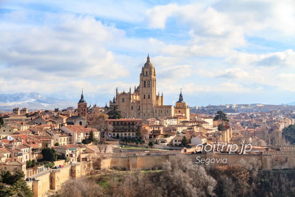 セゴビア城フアン2世の塔からセゴビア大聖堂を望む