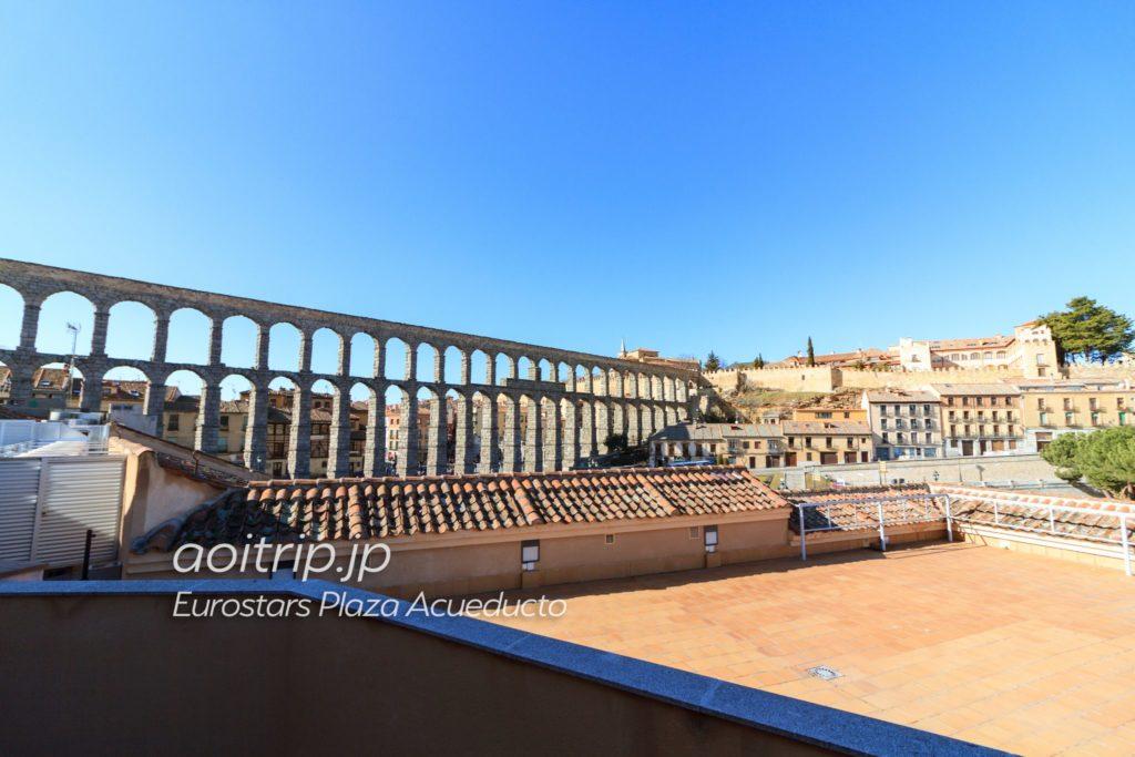 ユーロスターズプラサアクエドゥクトから見るセゴビア水道橋