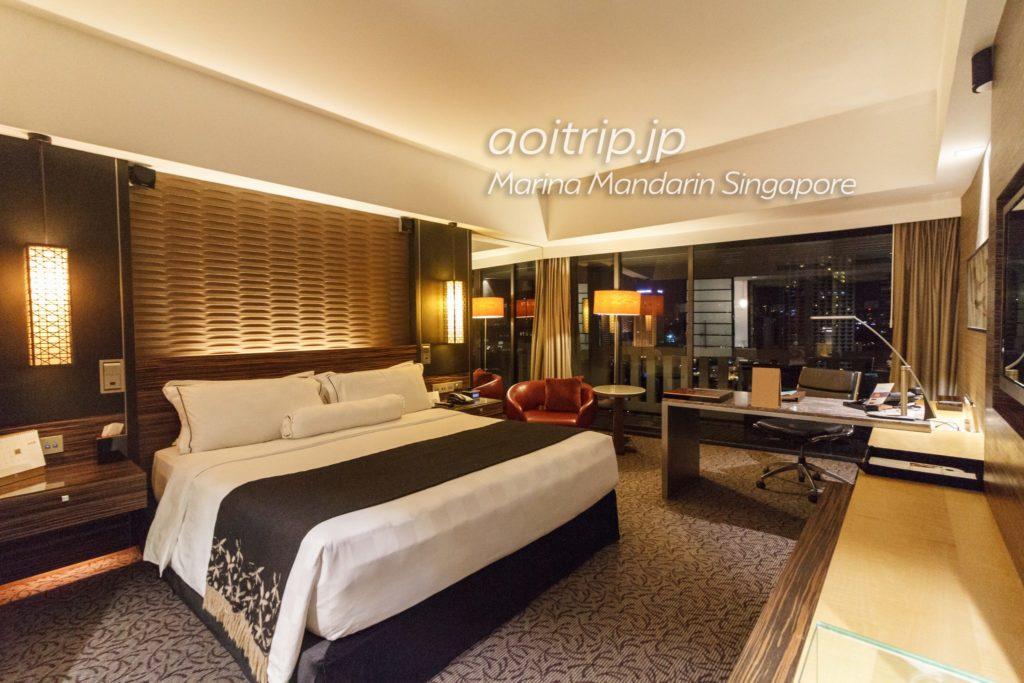 マリーナマンダリンシンガポール アトリウムスイート ベッドルーム