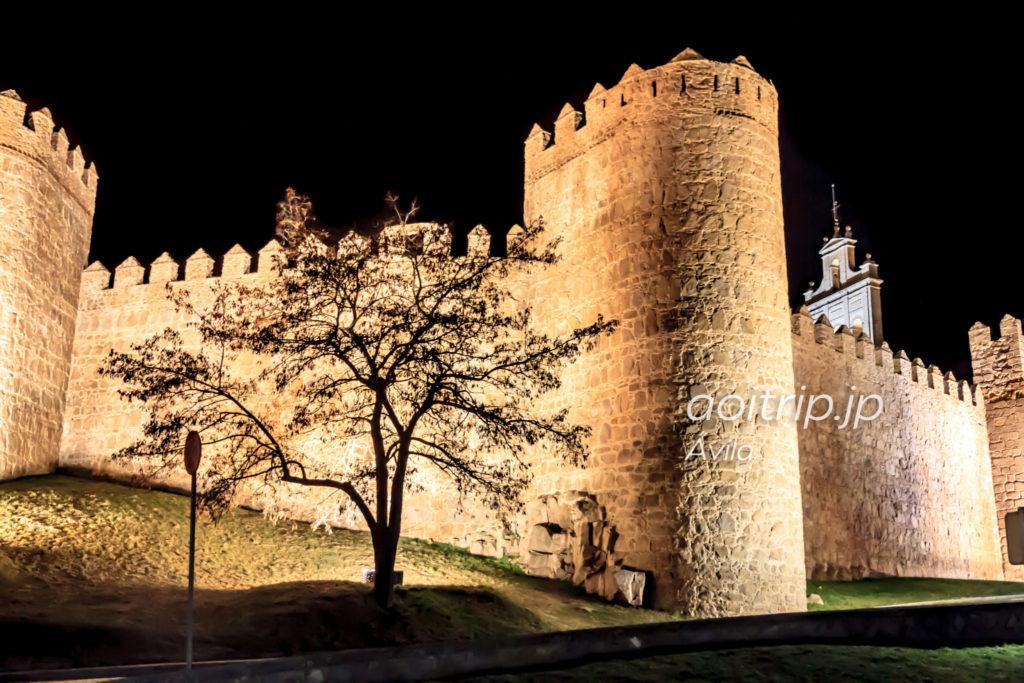 アビラの城壁 夜景