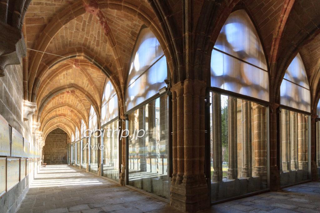 アビラ大聖堂の回廊