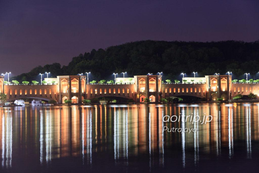 プトラブリッジの夜景