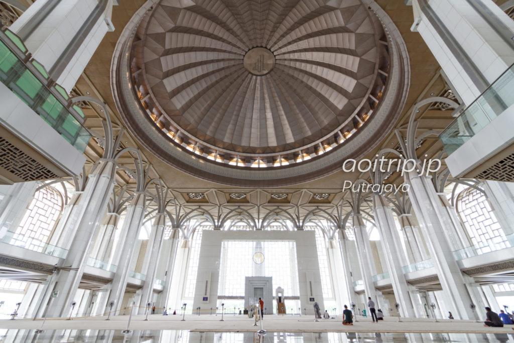 銀のモスクMasjid Tuanku Mizan Zainal Abidin