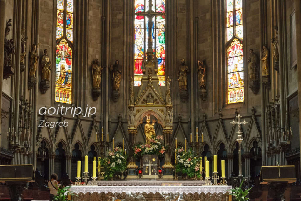 ザグレブ大聖堂の祭壇