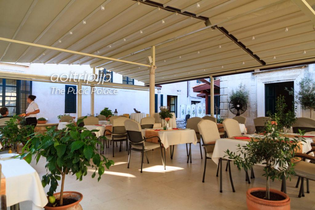 ザプチチパレス レストラン