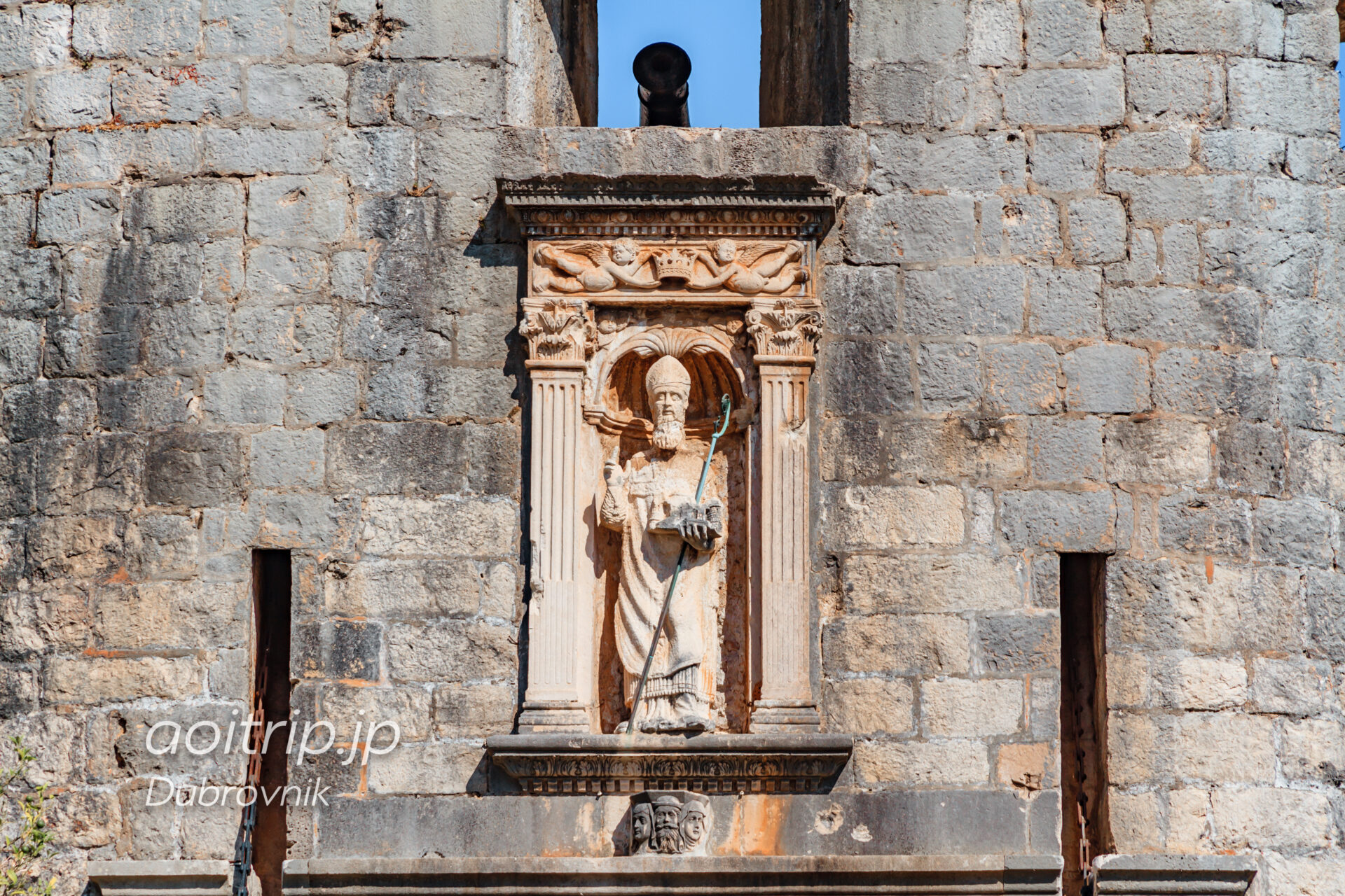 ドブロブニク ピレ門の聖ヴラホ像