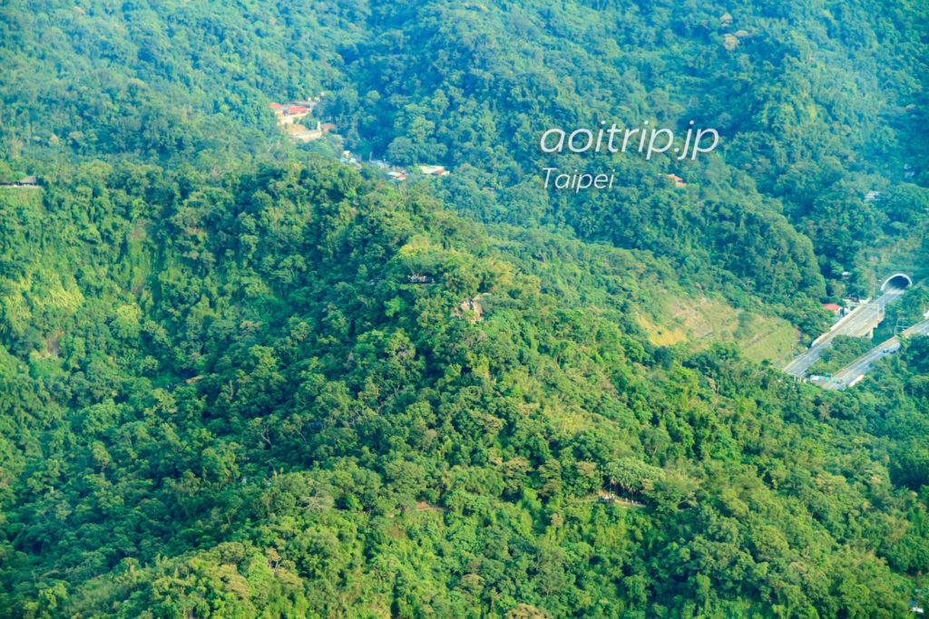 台北101展望台から象山六巨石の眺望