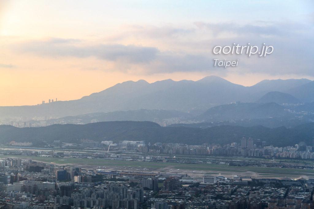 台北101展望台からの陽明山の眺望