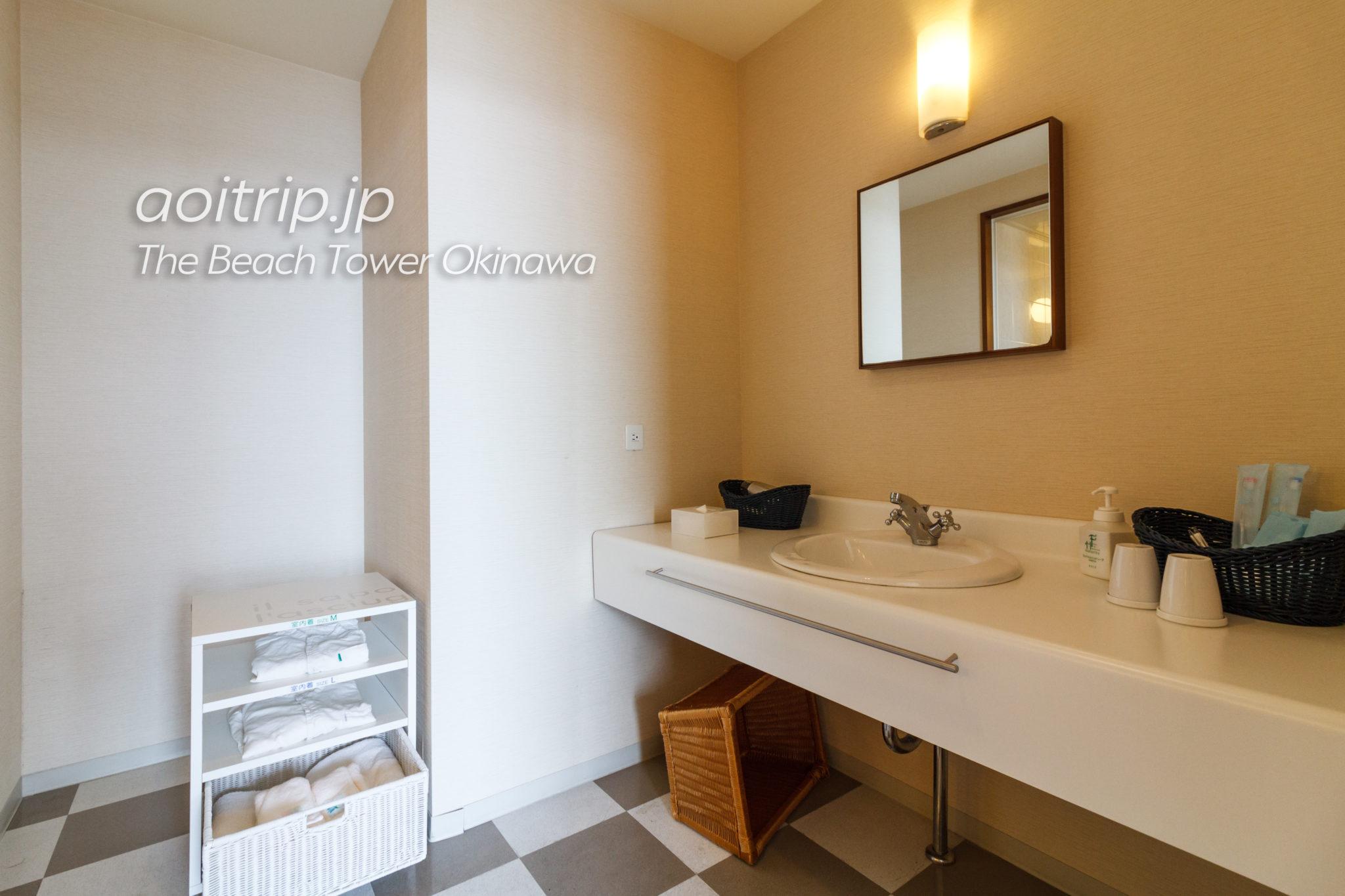 ザビーチタワー沖縄 洗面室
