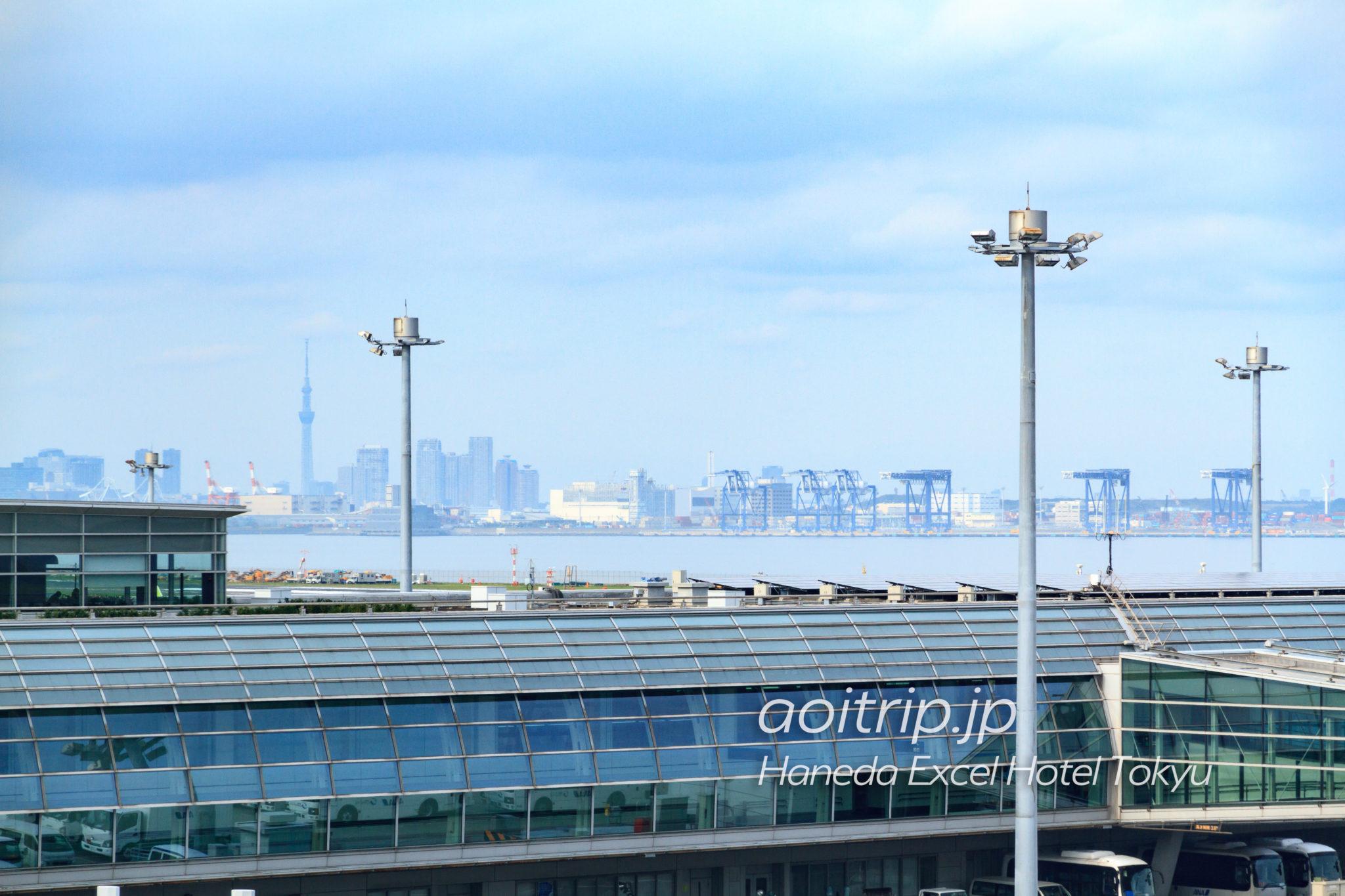 羽田エクセルホテル東急から見る東京スカイツリー、レインボーブリッジ