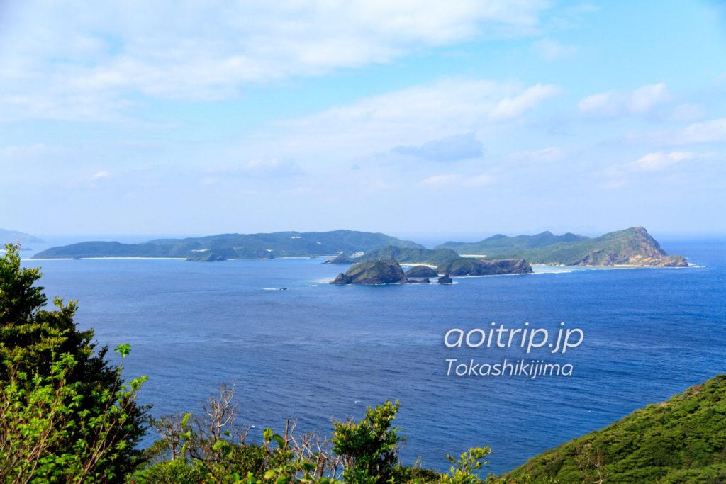 渡嘉敷島から見る座間味島
