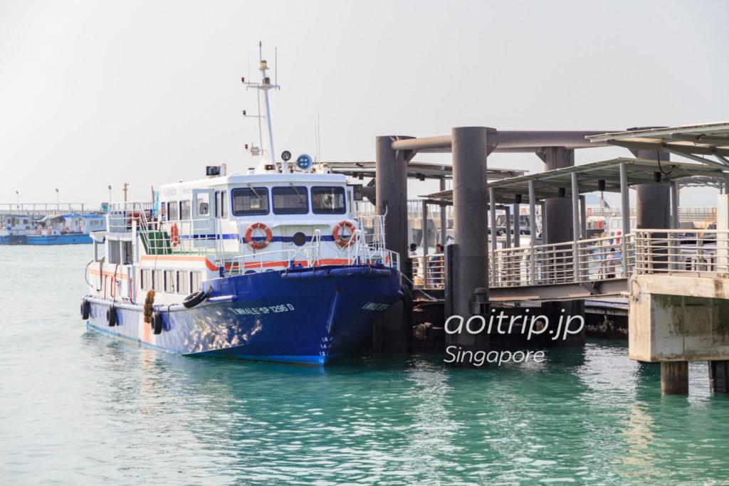 セントジョンズ島へ向かう船