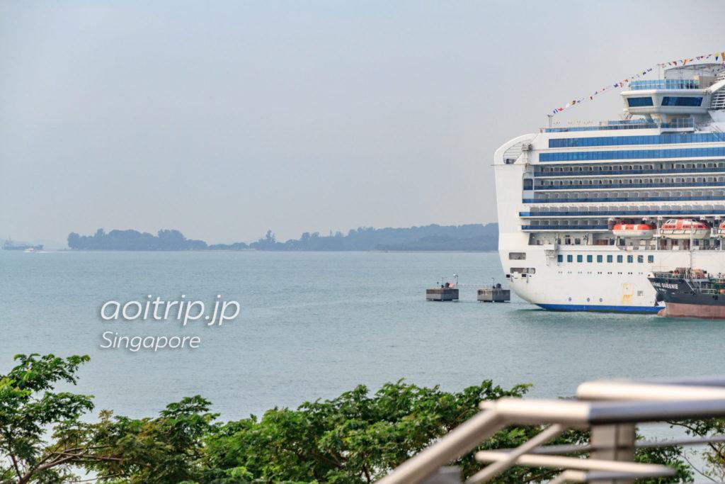 マリーナサウスピアから見たクス島とラザロー島
