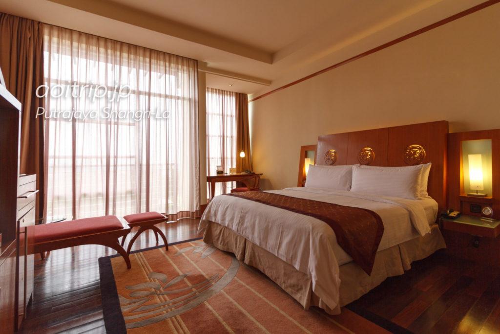 プトラジャヤ シャングリ ラ ホテル デラックスパークビュールーム Deluxe Park View Room