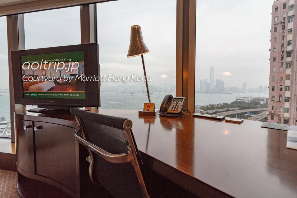 コートヤードバイマリオット香港のワークデスク