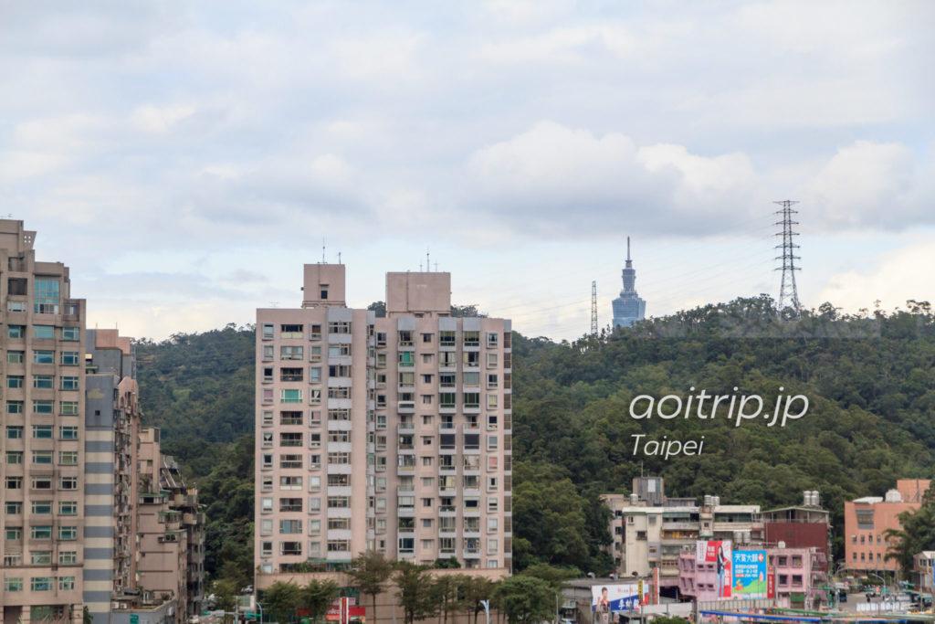 動物園駅から見える台北101