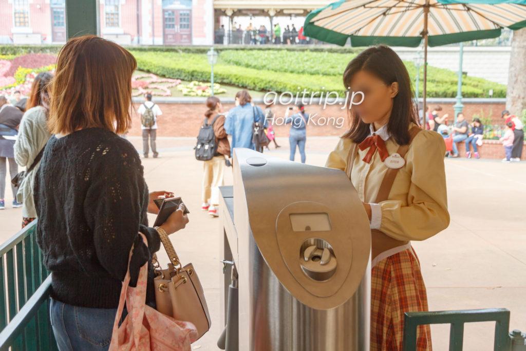 香港ディズニーランドの入園ゲート