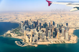 カタール航空機内から見るドーハの町並み