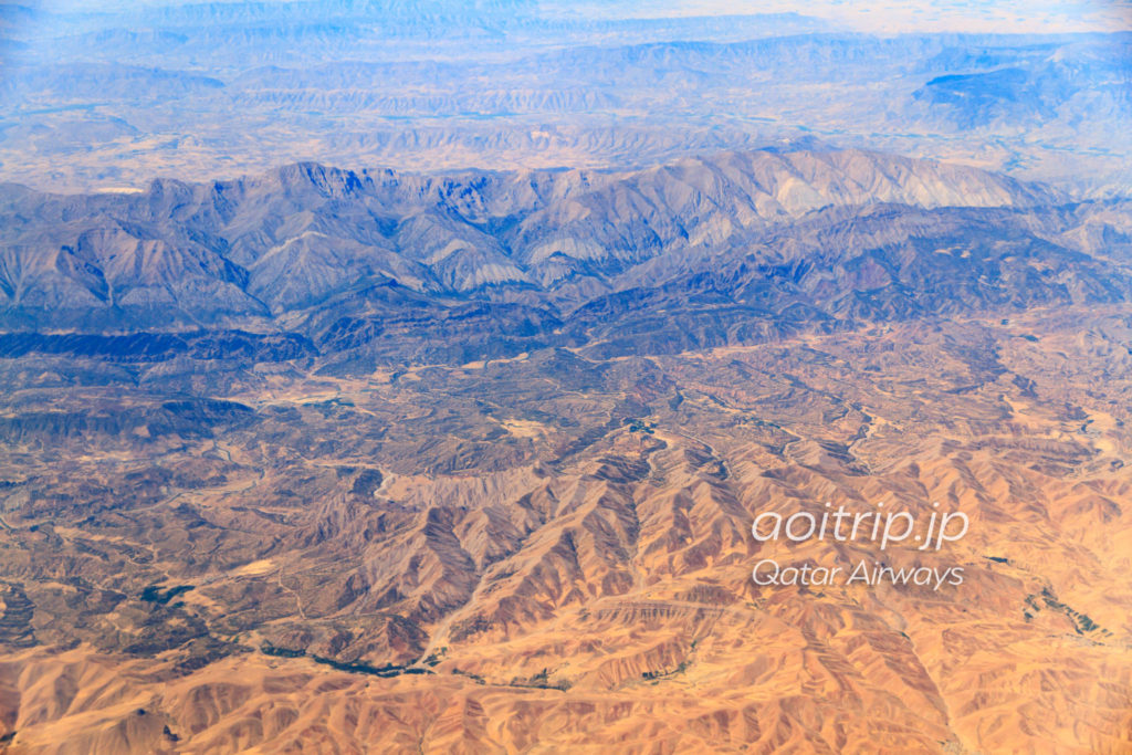 カタール航空機内から見るイラン