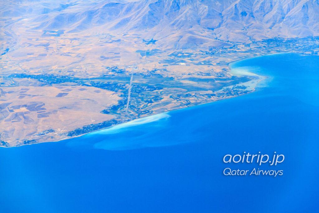 カタール航空機内から見るトルコのヴァン湖