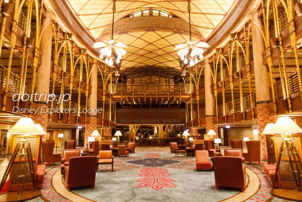 ディズニーエクスプローラーズロッジのホテルロビー