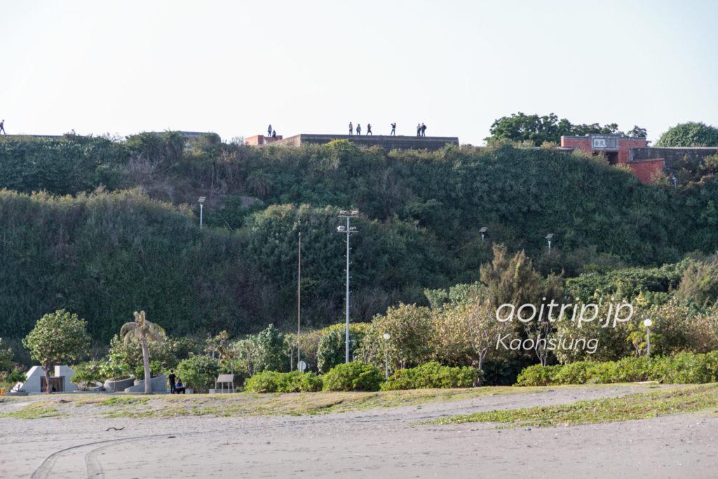 旗津海水浴場から望む旗後砲台