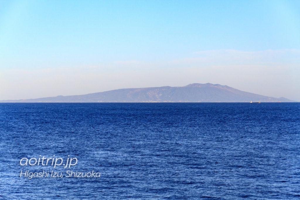 伊豆稲取から見る伊豆大島