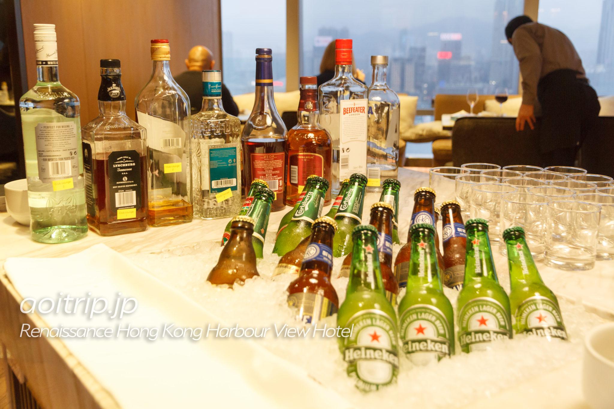 ルネッサンス香港ハーバービューホテルのクラブラウンジのイブニングカクテル