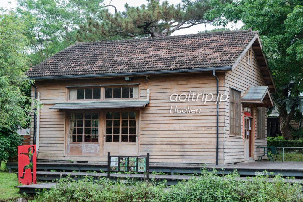 松園別館の木製小屋