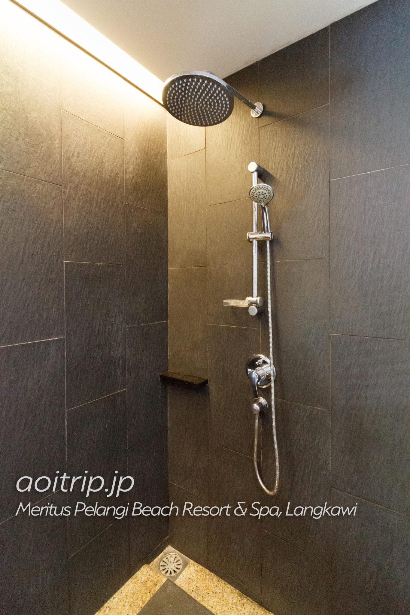 メリタスペランギリゾートランカウイのプールテラスルーム シャワー