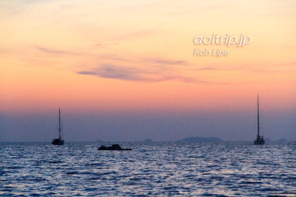 リペ島のサンセットビーチから見る夕焼け(マジックアワー)