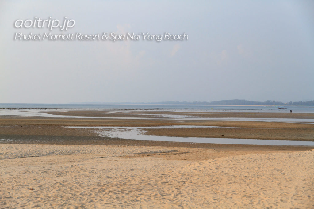 干潮時のナイヤンビーチ