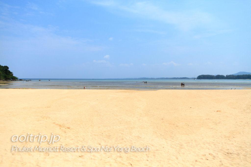 ナイヤンビーチの砂浜