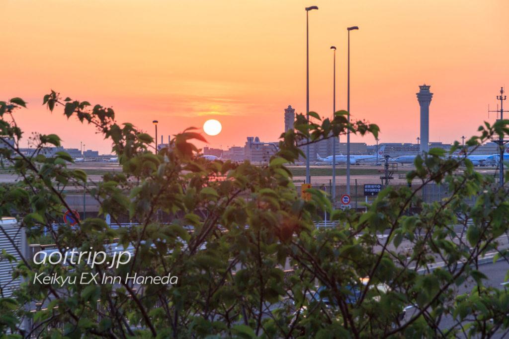 京急EXイン羽田から見る羽田空港の朝日