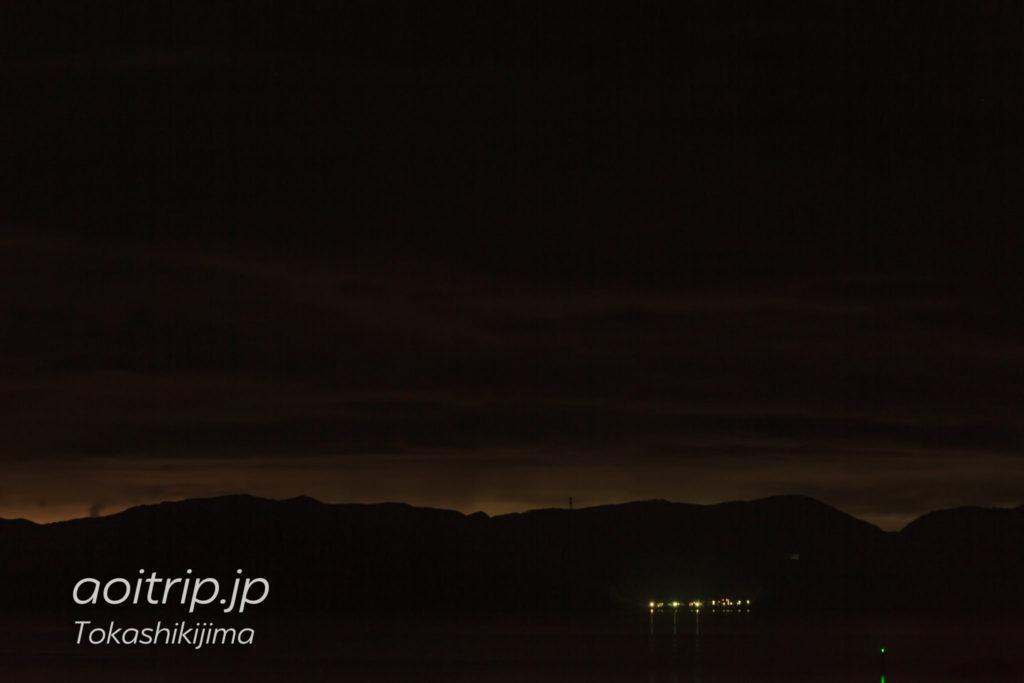 阿嘉島から望む渡嘉敷島の夜景