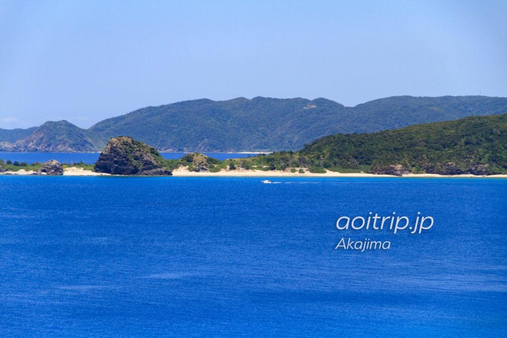 阿嘉島の北浜展望台から望む安室島と渡嘉敷島