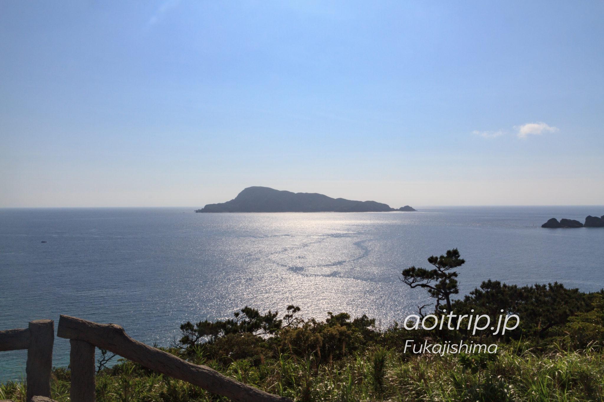 外地展望台から望む久場島
