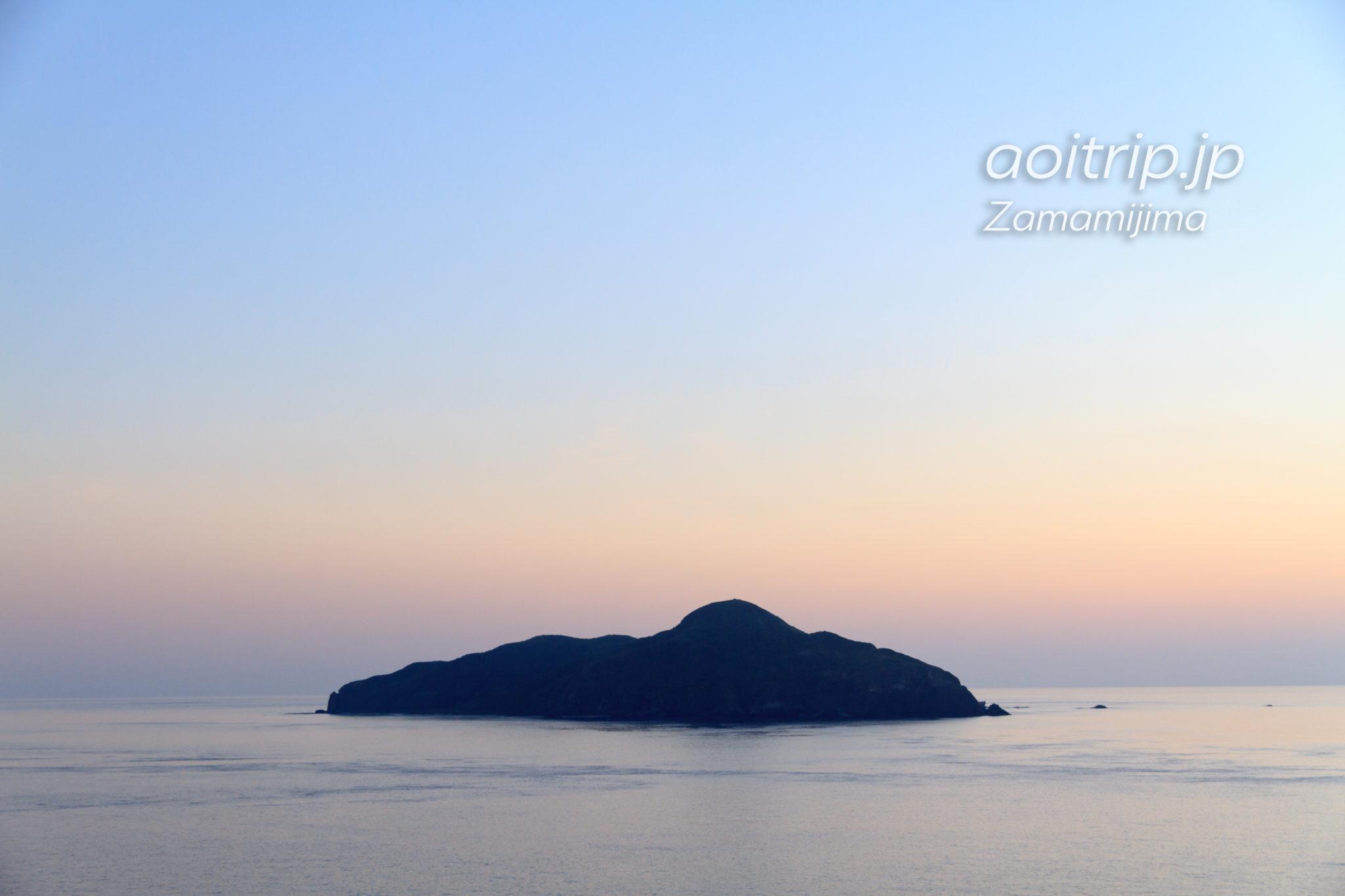 ウナジノサチ展望台から望む屋嘉比島