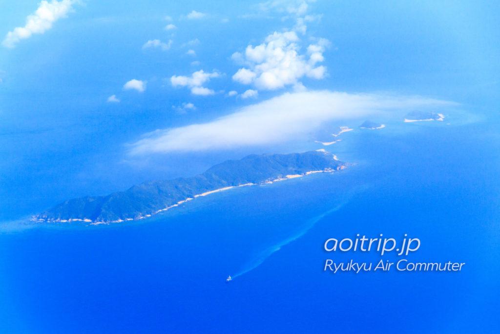 飛行機機内から見る前島