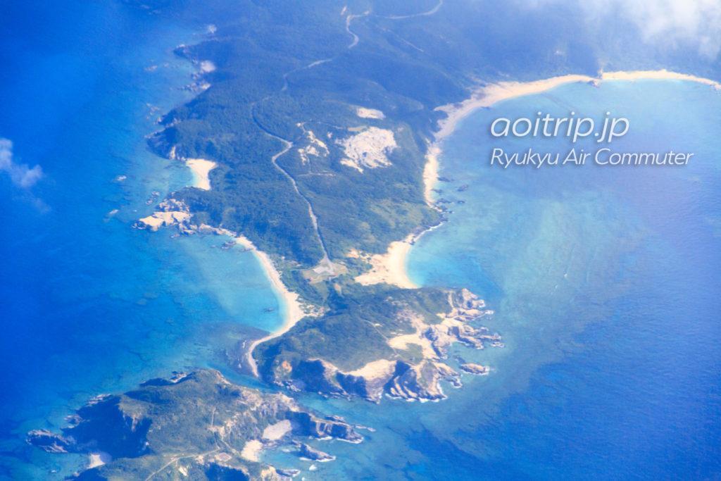 飛行機機内から見る渡嘉敷島の阿波連園地