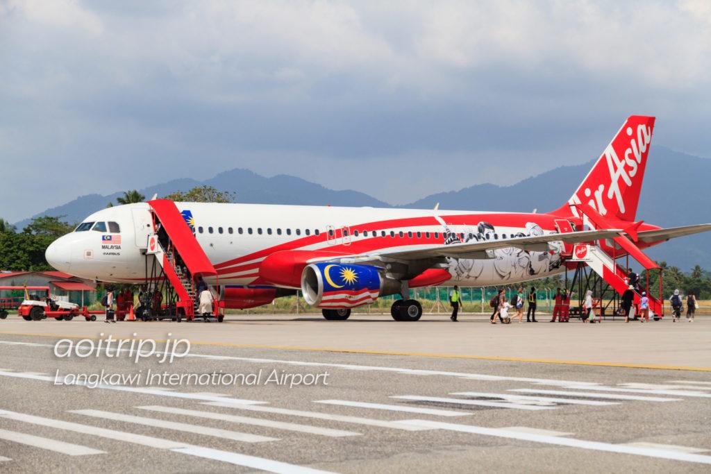 ランカウイ空港のエアアジア機
