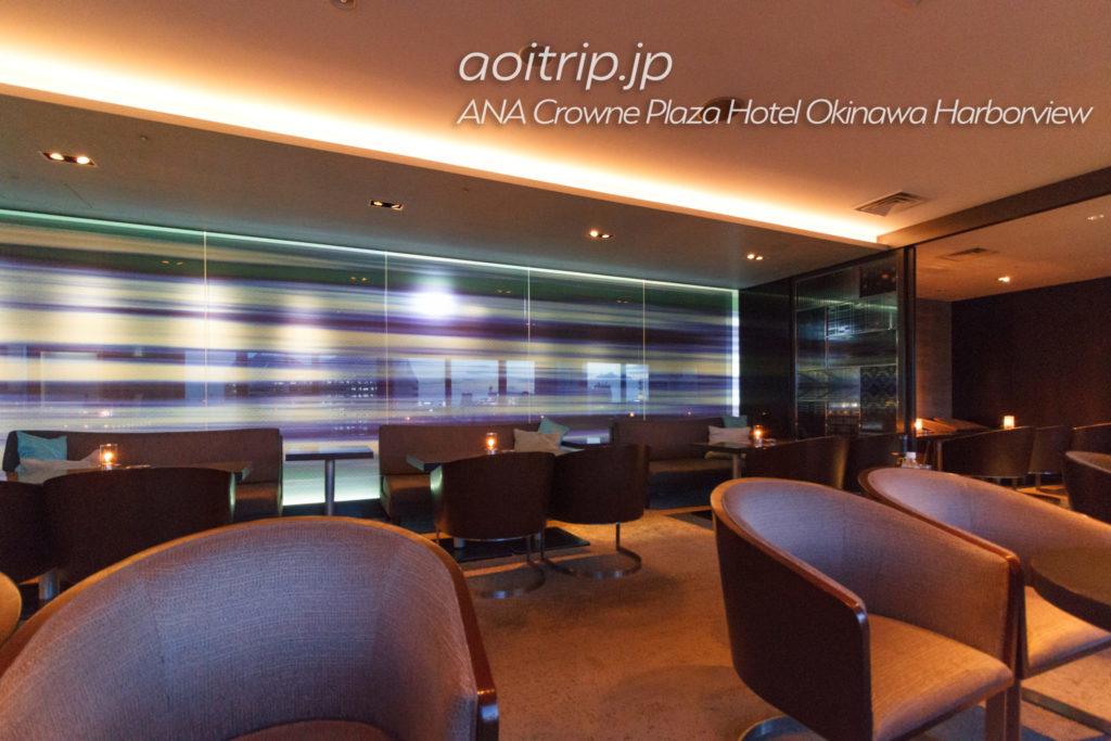 ANAクラウンプラザホテル沖縄ハーバービューのバーラウンジスターライト