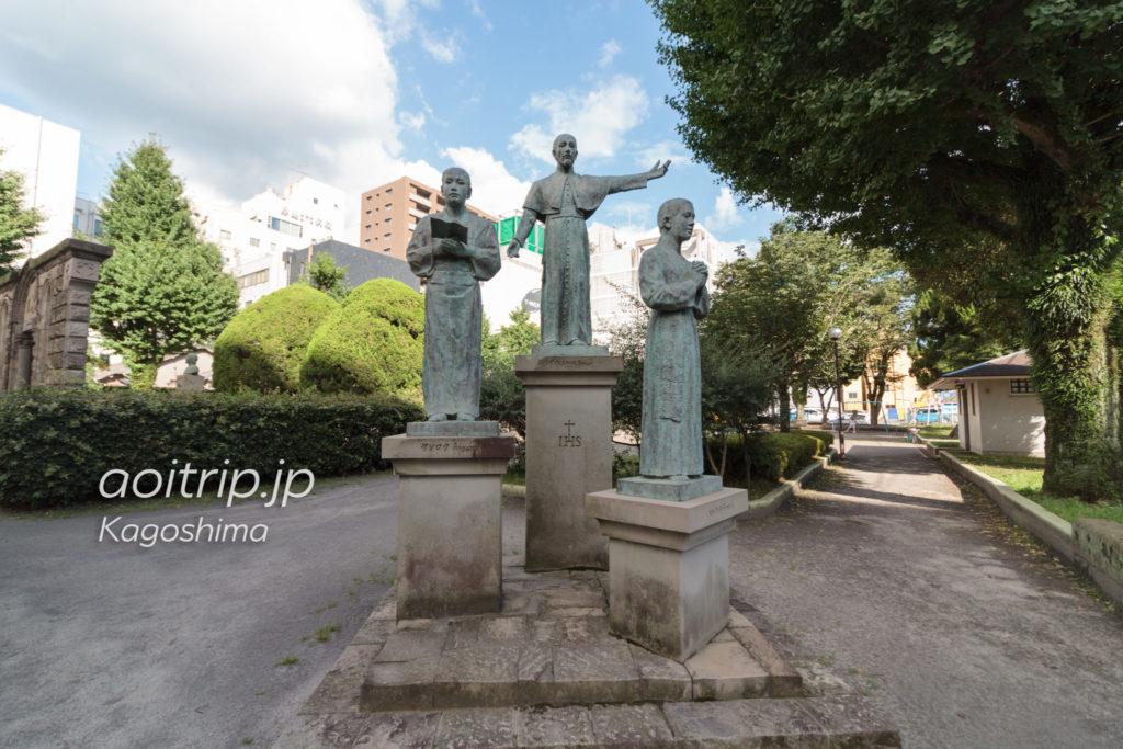 鹿児島のザビエル公園 ザビエル、やじろう、ベルナルドの銅像
