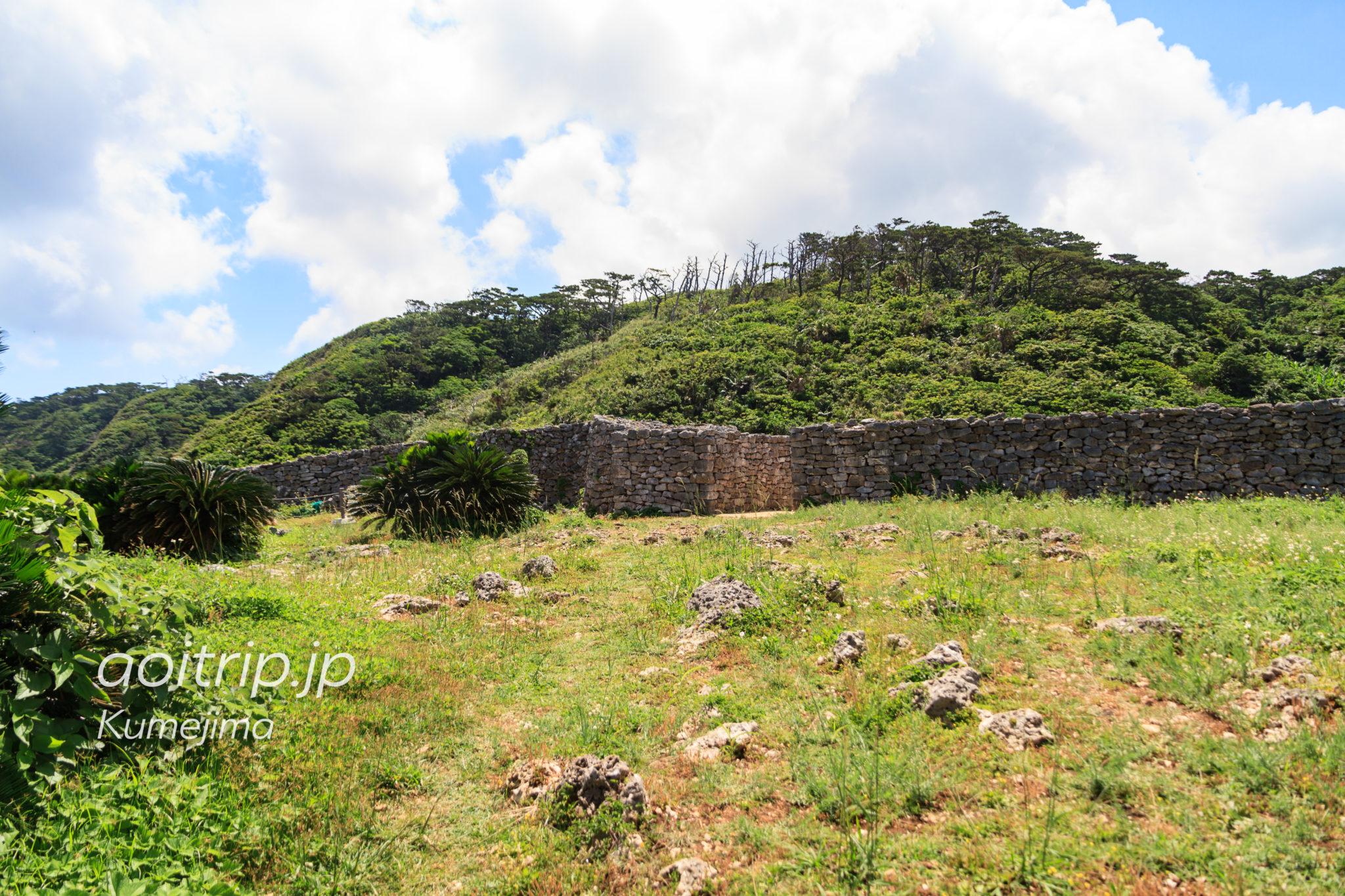 久米島の具志川城の城門